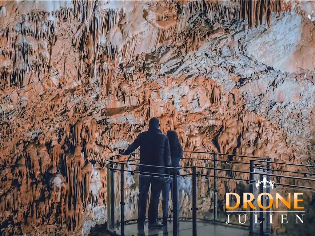 vidéo et drone gouffre et grottes